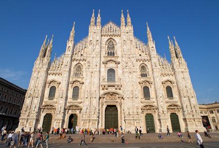 밀라노: 밀라노 대성당의보기 에디토리얼
