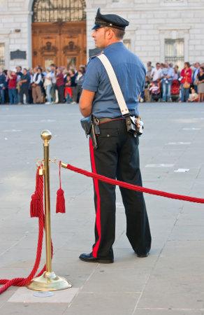Carabiniere, Italian policeman