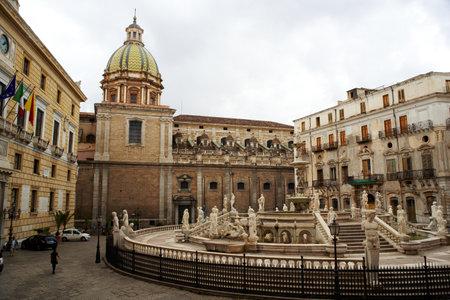 palermo   italy: Fontana delle Vergogne in Piazza Pretoria in Palermo, Italy