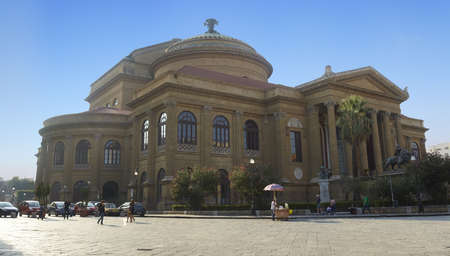 Teatro Massimo, �pera en Palermo - Italia Foto de archivo - 11593397