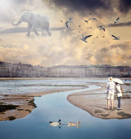 Ansicht eines Flying Elephant in der fantastischen Stadt