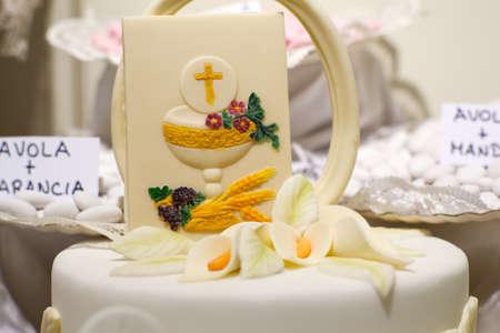 primera comunion: Torta y decoraciones para la celebración de la Primera Comunión