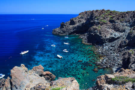 Vista di Pantelleria costa famosa isola della Sicilia Archivio Fotografico