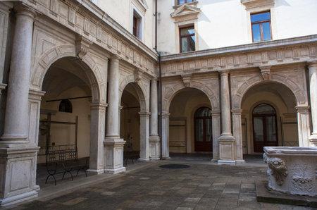 palazzo: View of courtyard, Palazzo della Ragione, Padova