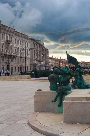 rive: TRIESTE, ITALY - SEPTEMBER, 22: View of Trieste monument and buildings on September 22, 2014