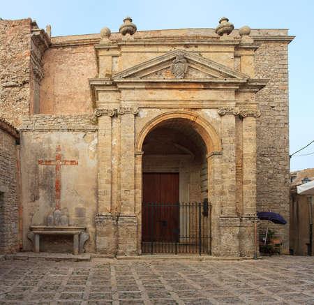 erice: View of San Domenico Church in Erice, Trapani Stock Photo