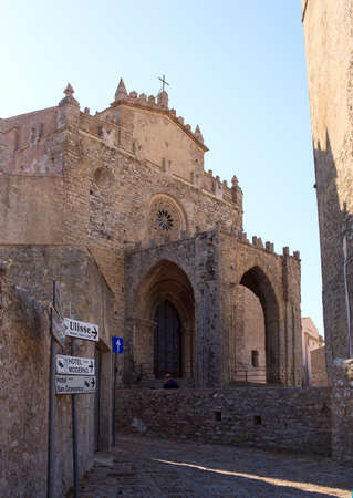 trapani: ERICE, ITALY - AUGUST 05: View of Duomo dell'Assunta, Mother church of Erice Trapani on August 05, 2015 Editorial