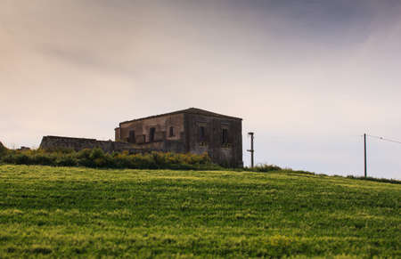 farmhouse: View of farmhouse in the Sicily countryside