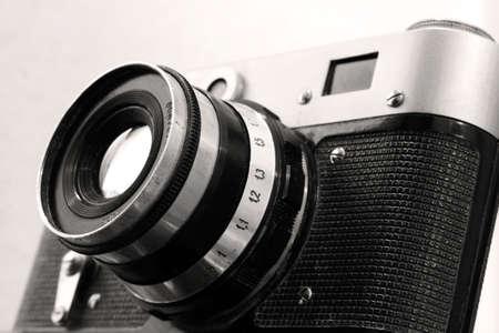 Vintage Russische fotocamera en objectief in sepia kleur Stockfoto