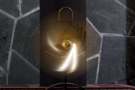 poele bois: Thermocouple powered fan sur un po�le � bois. Banque d'images