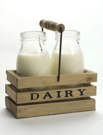 latte fresco: Latte fresco da latte. Archivio Fotografico
