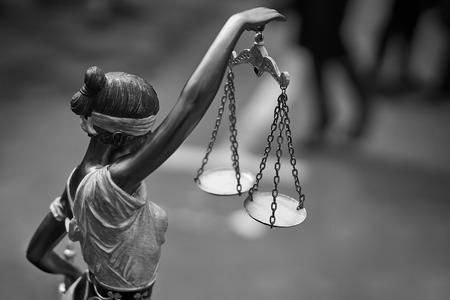 Themis statue with balance scales Stok Fotoğraf - 79985694