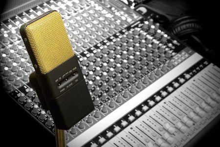 Gold Mic & Soundboard