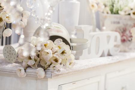 decoración de la mesa con el día de San Valentín, flores Foto de archivo