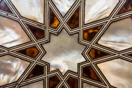 Osmanisches Kunstbeispiel für Perlmutt-Inlays