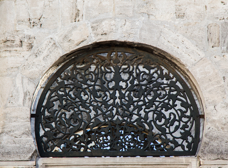 Old window Architecture from the Ottoman times In Istanbul 免版税图像