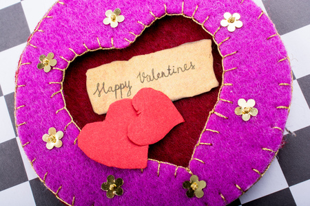 Love icon and Valentine's day wording on torn paper 免版税图像