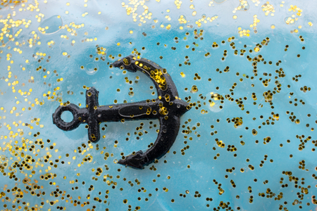Tiny model anchor for decorative purposes