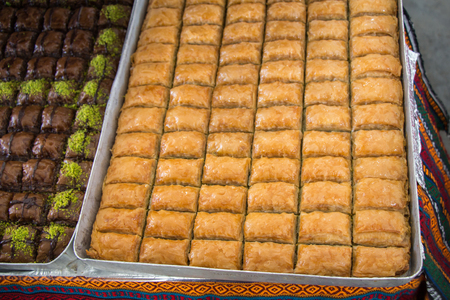 Turkish traditional desert sweets at the Market Imagens
