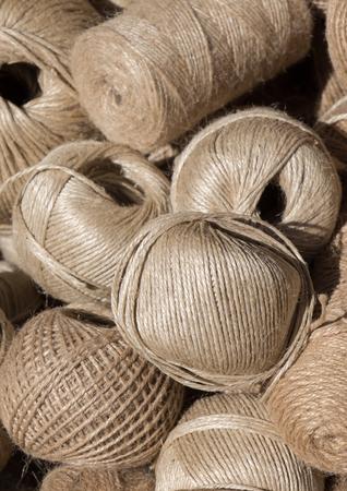 Set or rolls of linen thread