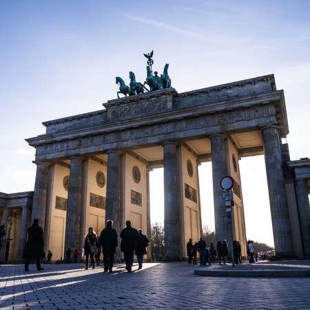 brandenburger tor: brandenburger tor in berlin in spring