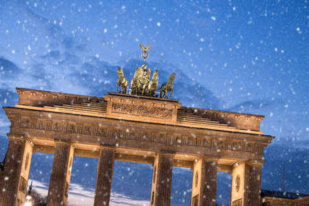 brandenburger tor: brandenburger tor and snowflakes in berlin Stock Photo