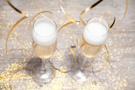 sparking: glasses of sparking wine and decoration
