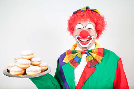 ballyhoo: clown with pancakes on a tray