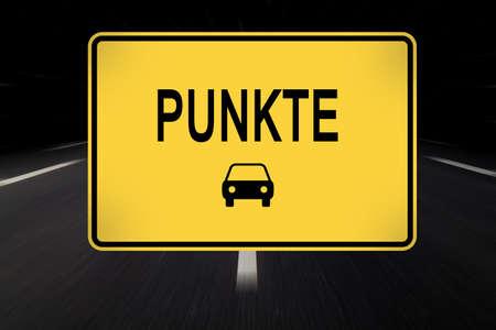 offence: puntuaci�n de errores de permiso de conducir (alemania) escrito en se�al de tr�fico Foto de archivo