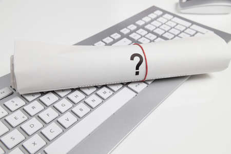 point d interrogation: question sur le journal sur le clavier Banque d'images