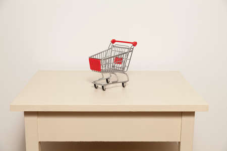 dejection: Small shopping cart