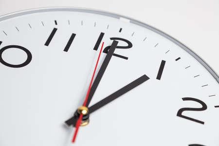 o�??clock: Posici�n de la una
