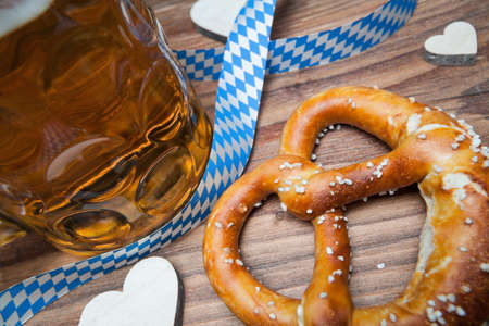 pretzel and beer still life for oktoberfest Standard-Bild