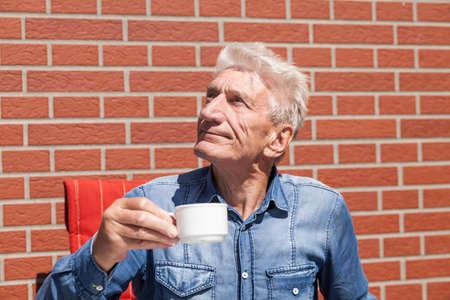 oldage: Pensioners drinking coffee