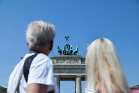 oldage: Couple at Brandenburger Tor in Berlin