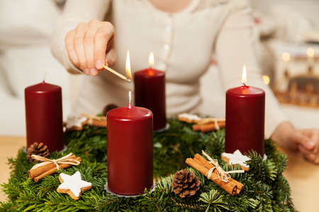 Kindle first candle on the third Advent Standard-Bild
