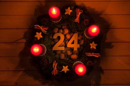 advent wreath: Advent wreath with burning candles