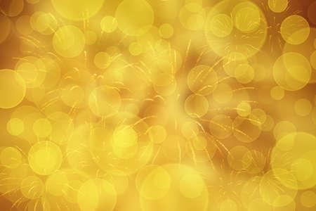 Goldener Silvesterhintergrund mir Feuerwerk