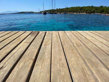 close up wooden floor on the sea Archivio Fotografico