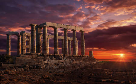 Temple of Poseidon at sunset Banque d'images