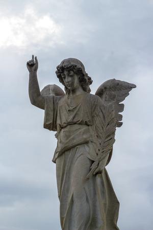 Fotografia di un angelo statua