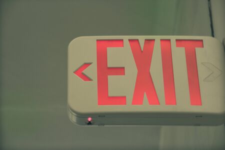 Exit light sign photograph Imagens
