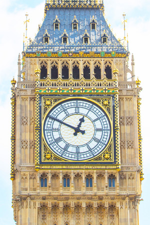 This picture shows the big clock of the Big Ben.