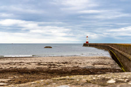 Meadow Haven and the Lighthouse in Berwick-upon-Tweed, Northumberland, England, UK - seen from the Pier Stockfoto