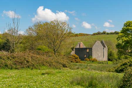 Ruin in the abandoned Tyneham Village near Kimmeridge, Jurassic Coast, Dorset, UK Imagens