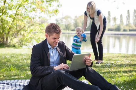 Rovnováha mezi pracovním a rodinným životem Reklamní fotografie
