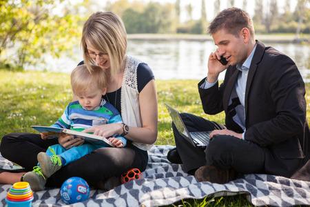 Evenwicht tussen werk en gezin Stockfoto