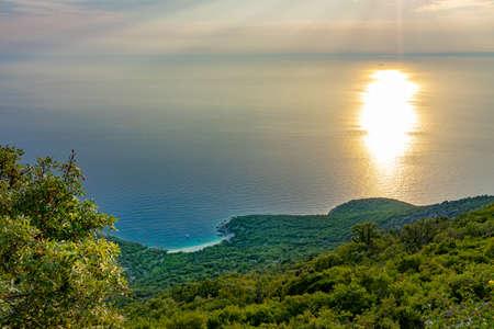 Hidden Lubenice beach in Cres island Croatia Foto de archivo