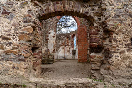 Pauline monastery ruin on the hungarian hiking trail near Badacsony in Salfold 免版税图像