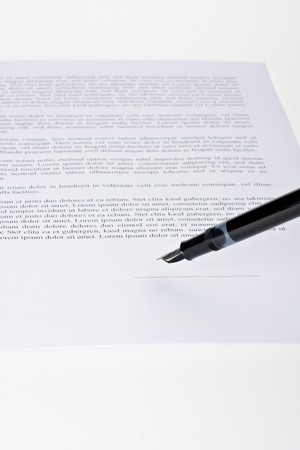 fountain pen ready to sign a contract Stock Photo - 4451620